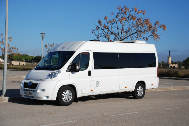 Mallorca PMI airport transfers to Cala Mesquida.