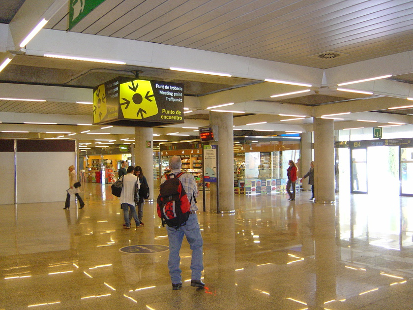 Palma de Mallorca airport Meeting Point