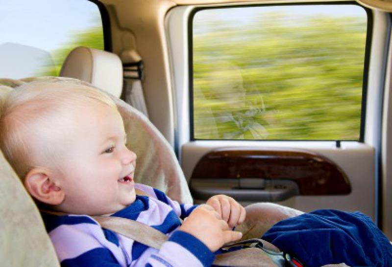 Taxi et transferts avec siège auto pour bébé à Cala San Vicente